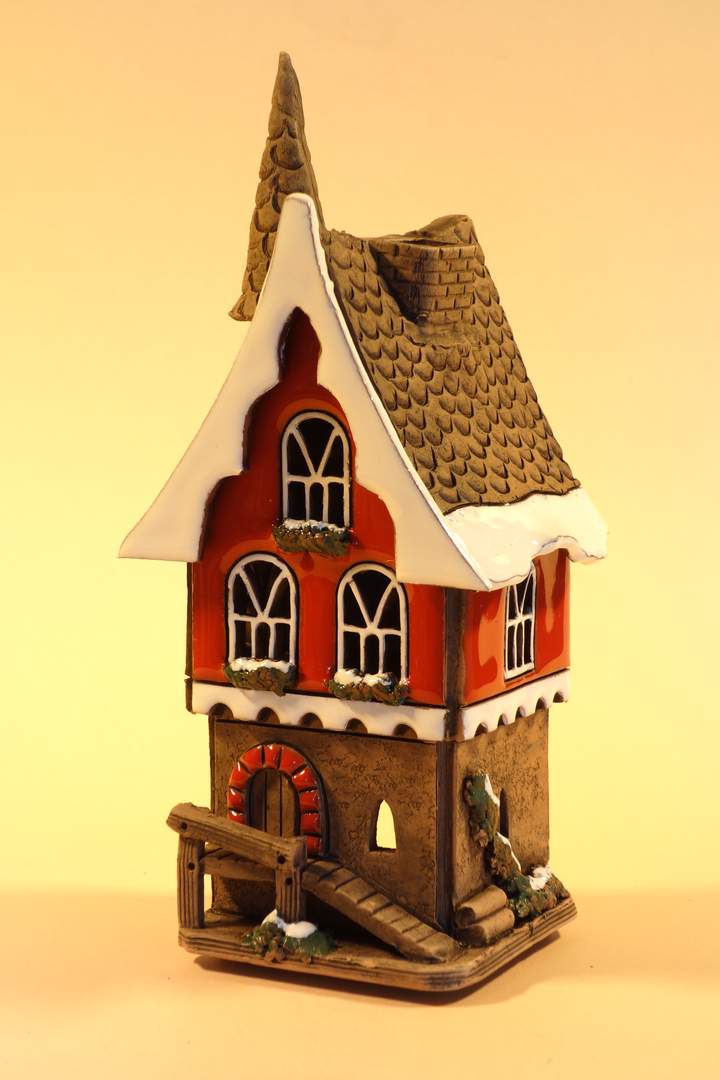 "Keramikhaus Modell ""Villa ohne Sorge"" in Rot H16x6cm"
